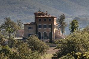 Castello-Di-Reschio-Umbria-Italy